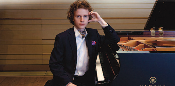 Nikolay Khozyainov piano